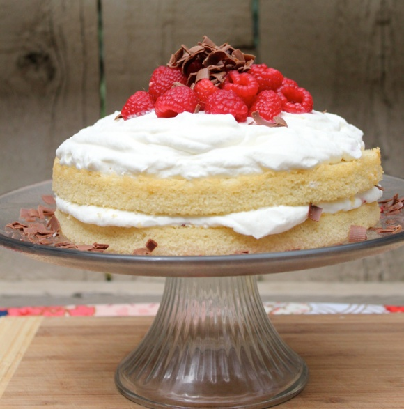 Vanilla-Buttermilk-Cake-w-Rasp-&-WC-Side